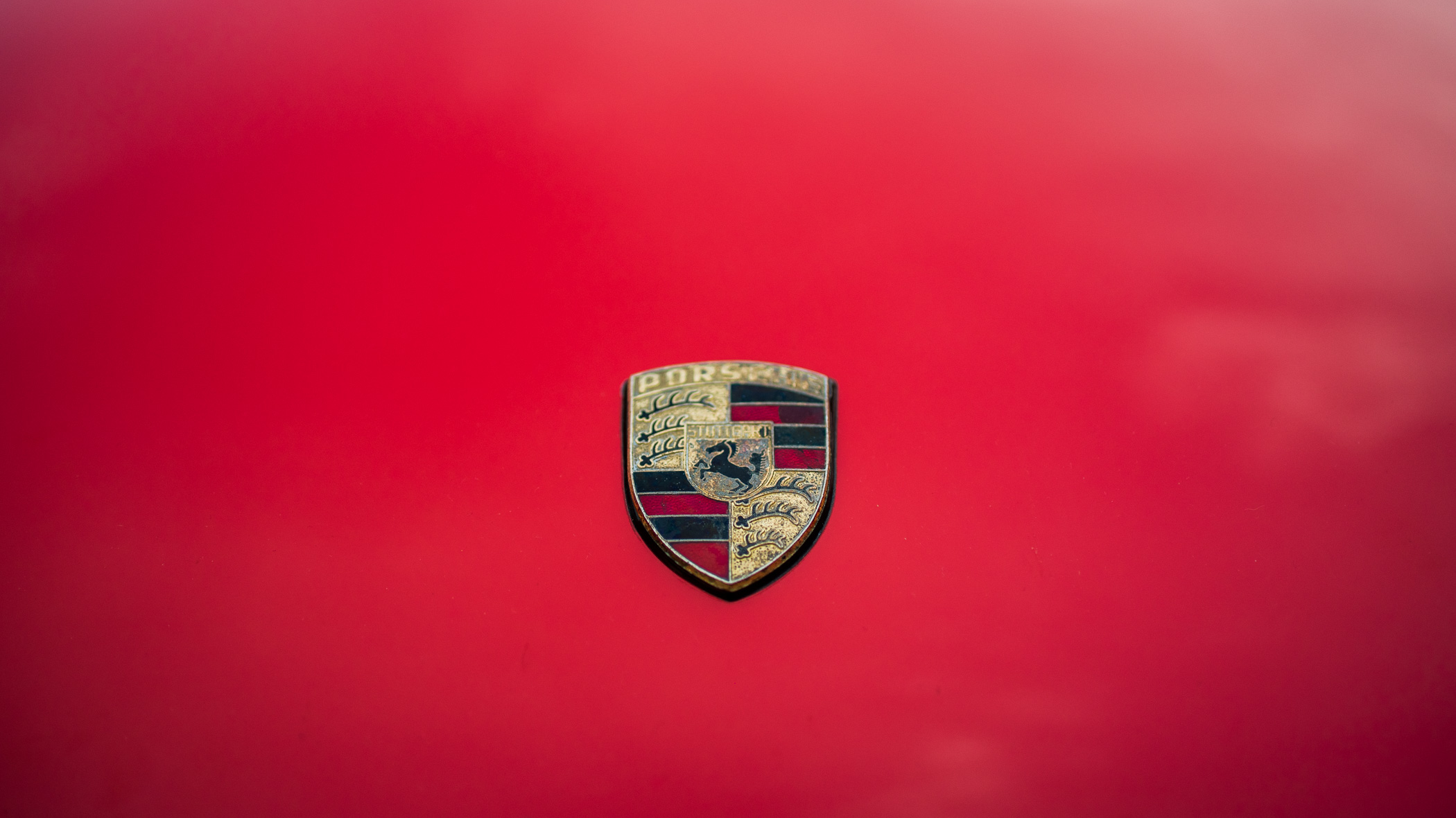 Porsche logo red