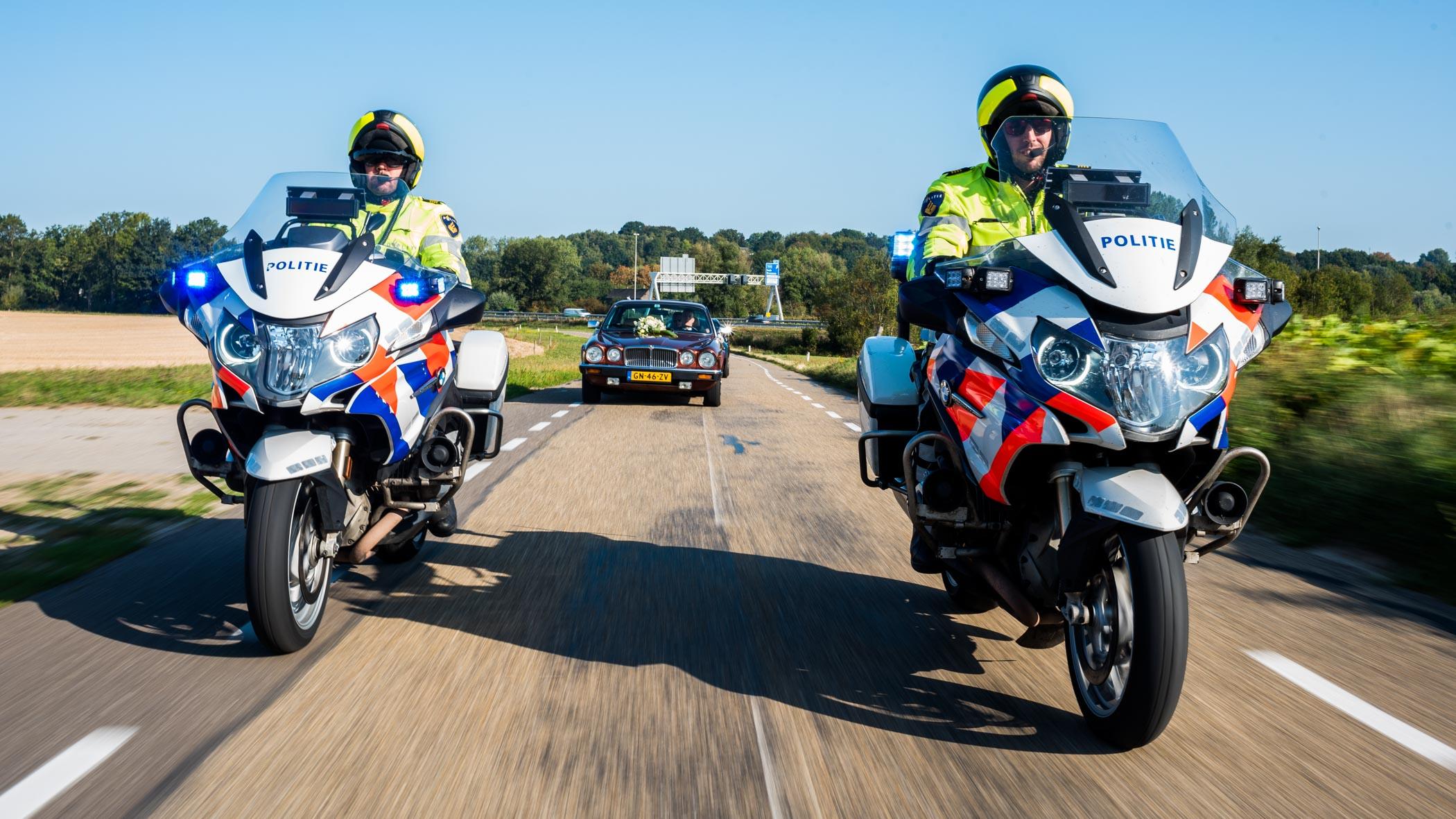 politie escort bruidegom
