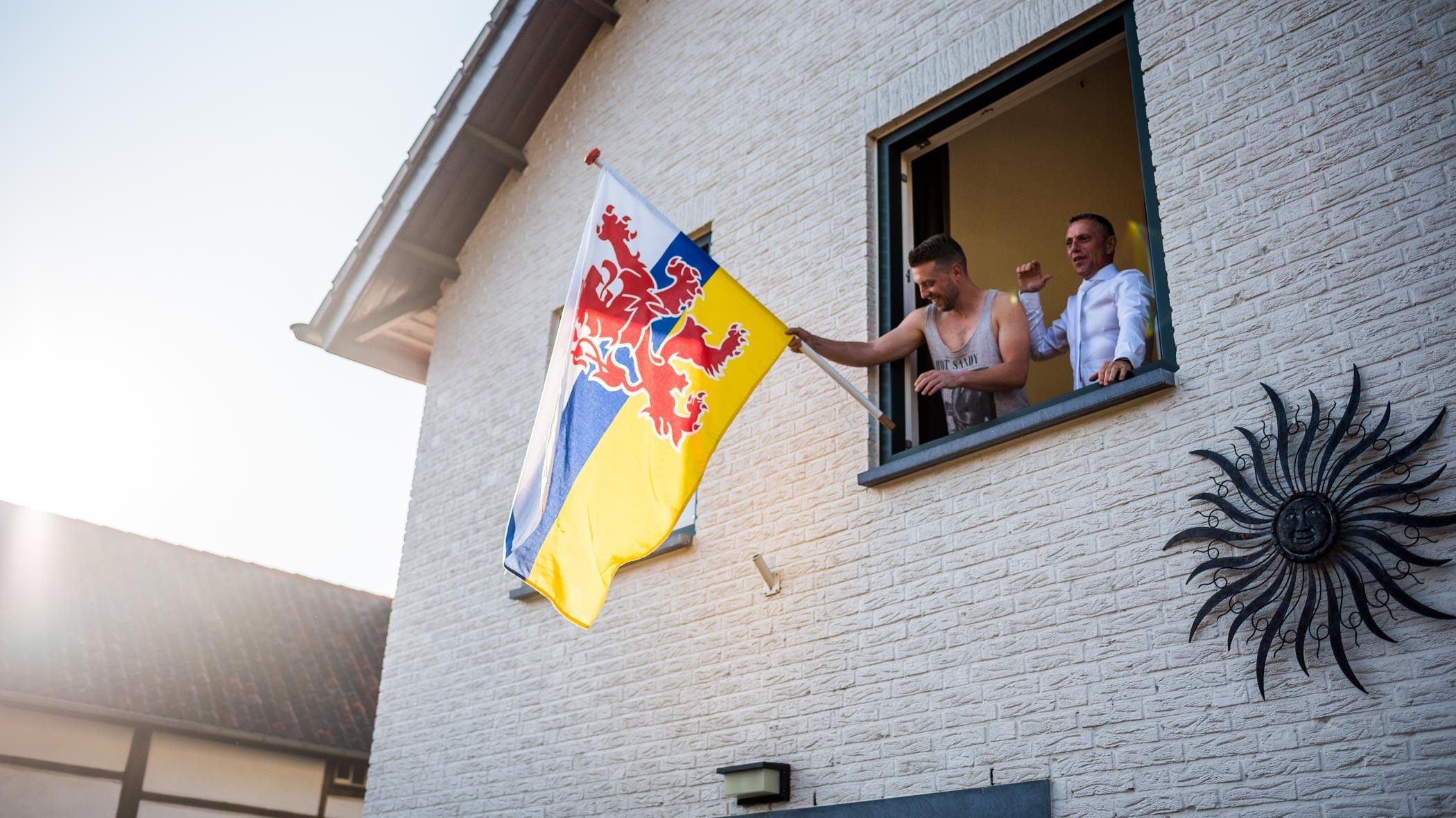 Limburgse vlag uithangen