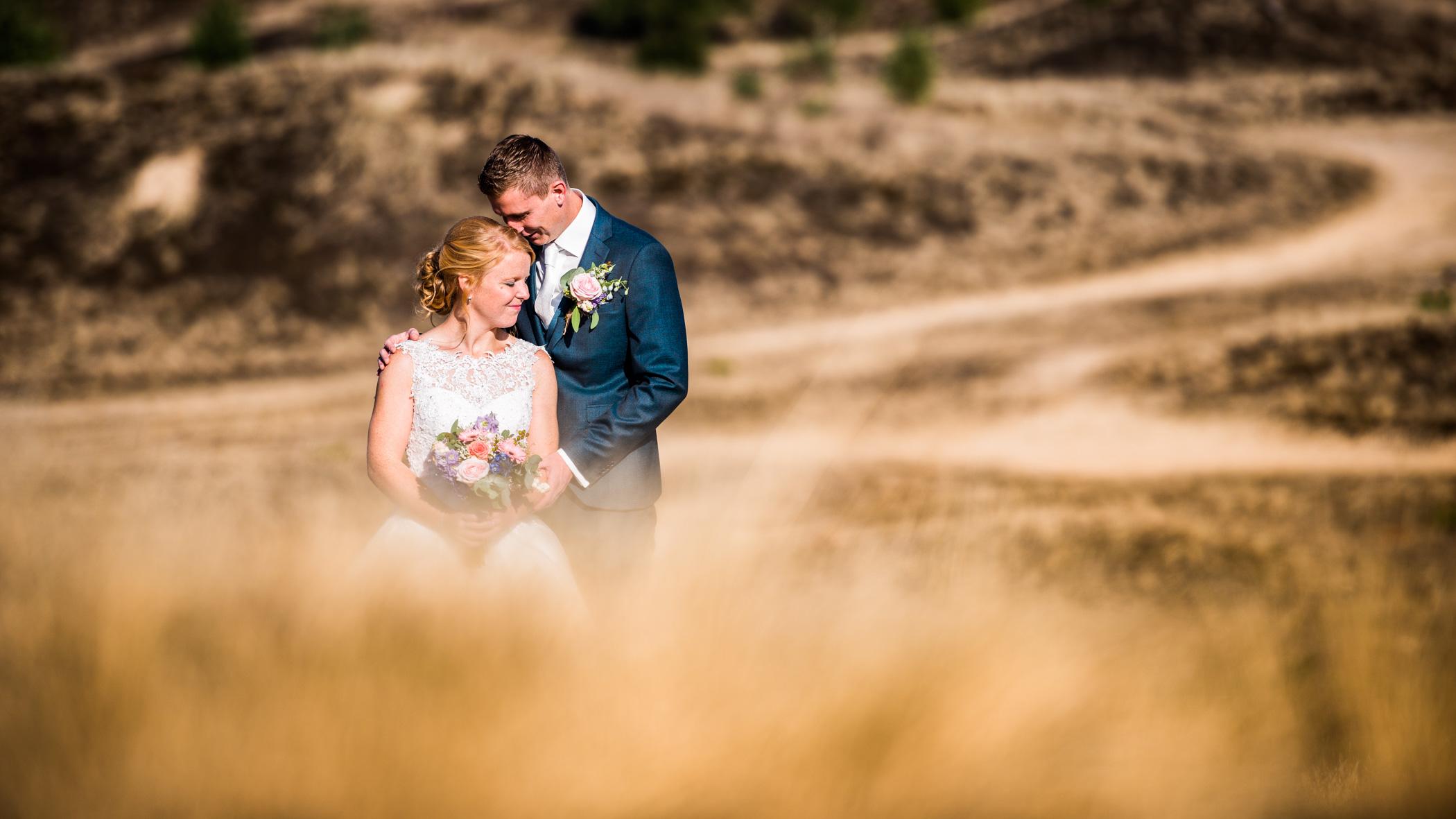 bruidspaar wekeromse zand