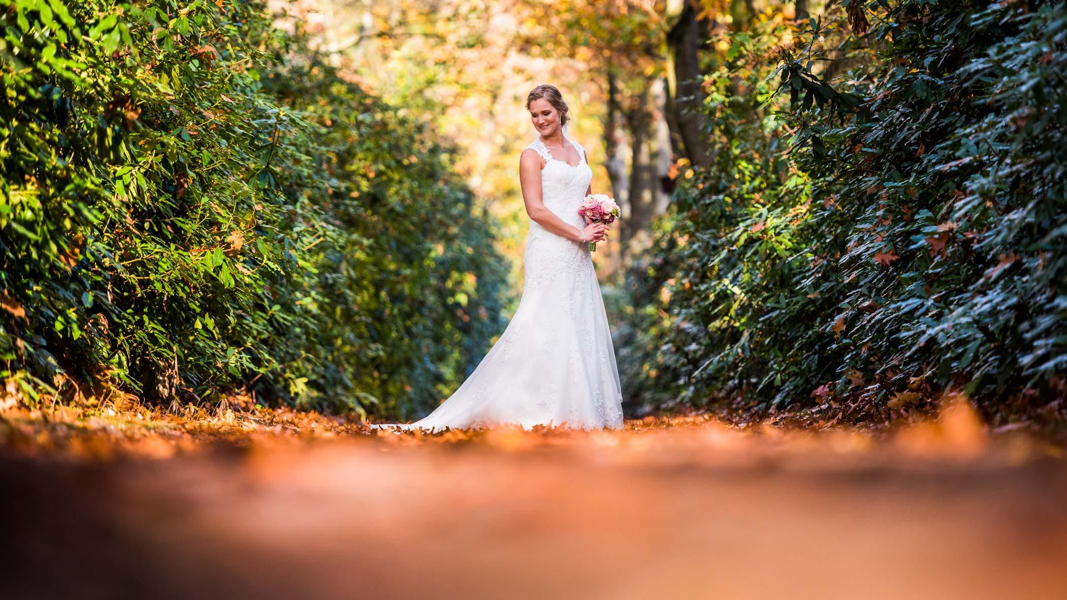 bruid in Arboretum Poort Bulten